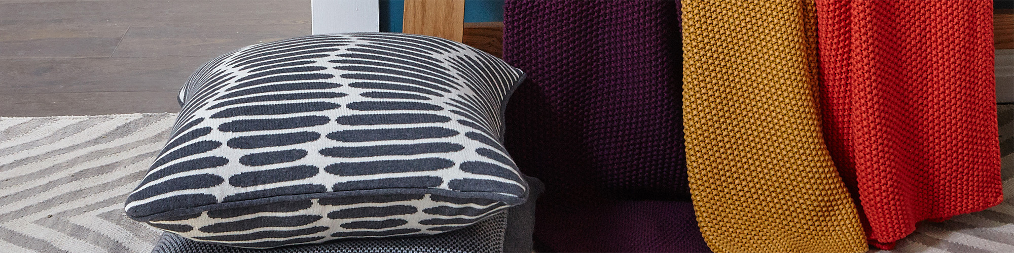 A/W Moss Stitch Throw Collection